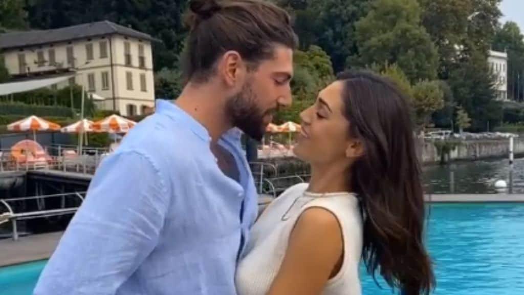 Bacio tra Ignazio Moser e Cecilia Rodriguez