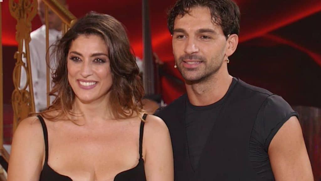 Ballando con le stelle, Elisa Isoardi e Raimondo Todaro bollenti in pista