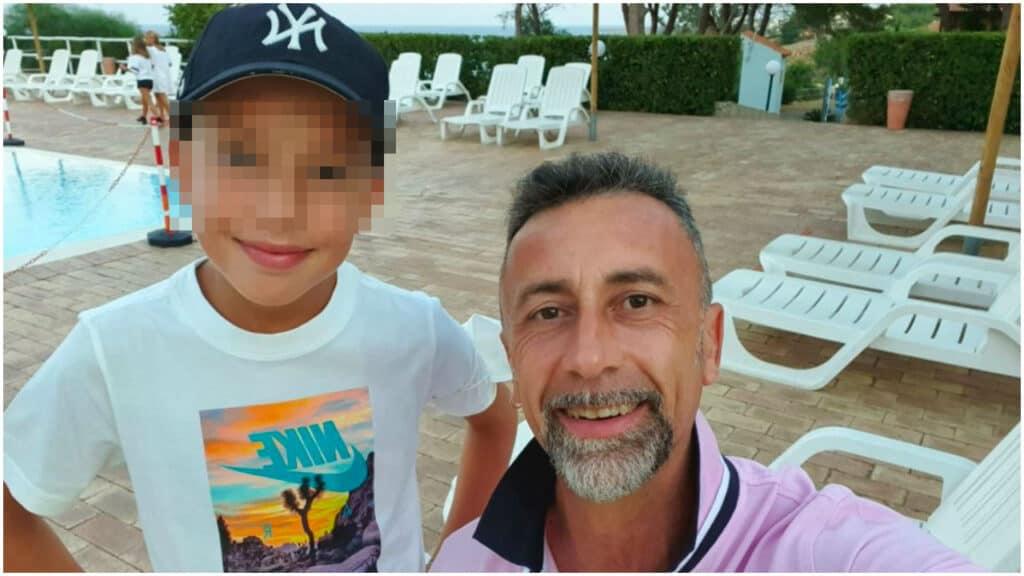 Spara al figlio di 11 anni e poi si toglie la vita