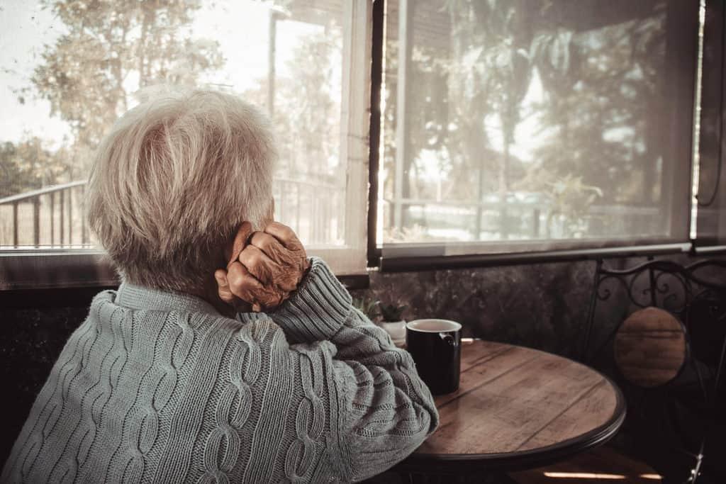 anziana sola