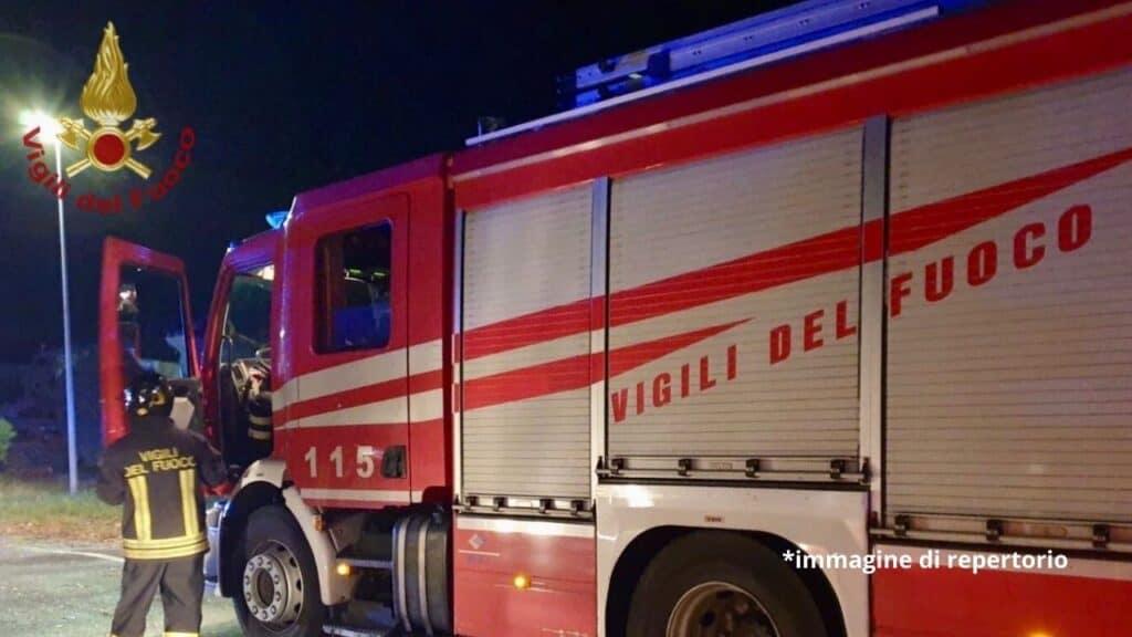 Roma, uomo barricato in casa minaccia di far esplodere una bomba