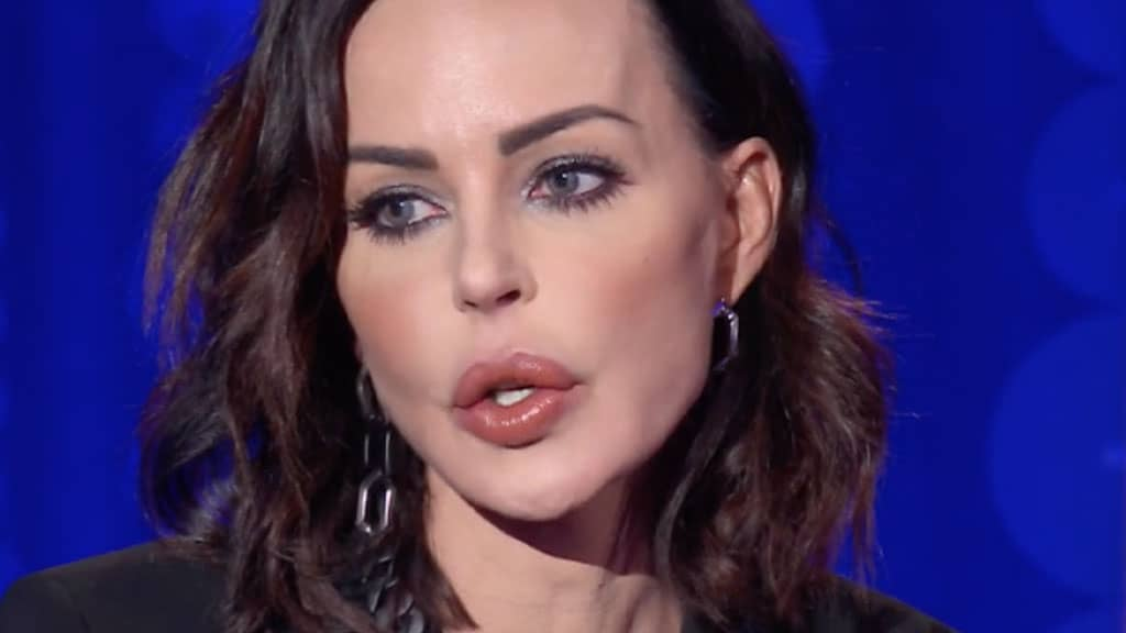 Nina Moric minacciata da Corona, lei pubblica gli audio: le frasi choc