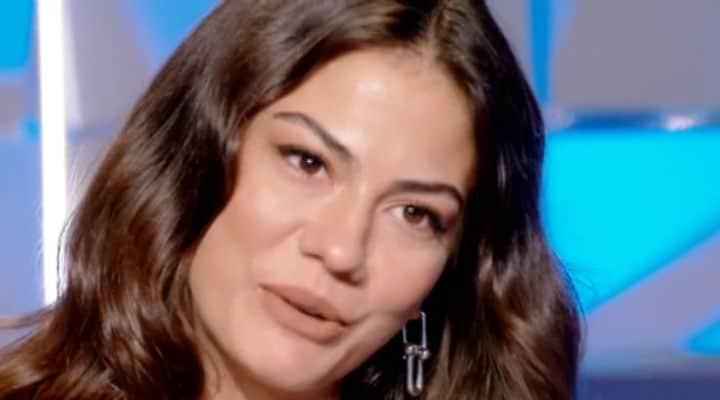 Demet Özdemir a Verissimo attrice daydreamer