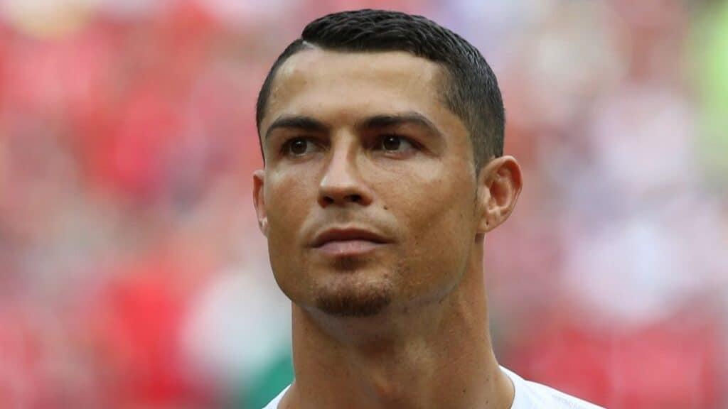 Cristiano Ronaldo, la sorella Katia Aveiro ricoverata per una polmonite causata da Covid: le sue condizioni