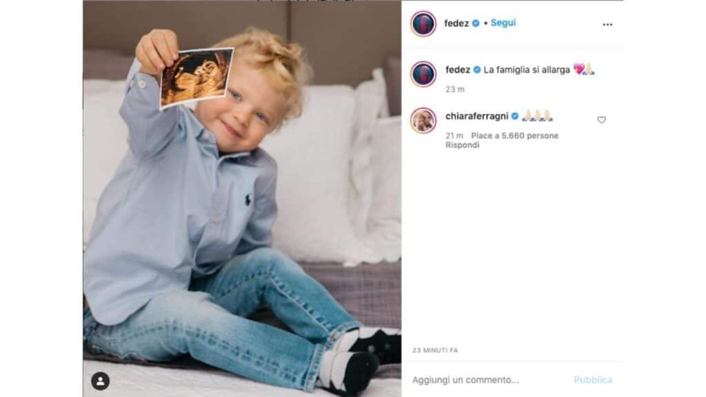 Leone annuncia che Chiara Ferragni è incinta nel post di Fedez