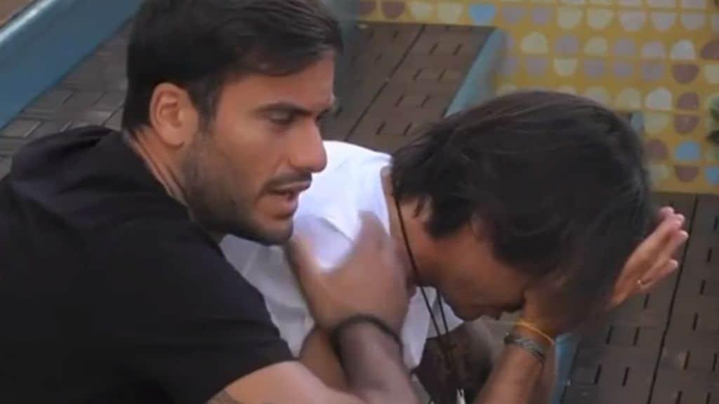 Francesco Oppini in lacrime al GF Vip