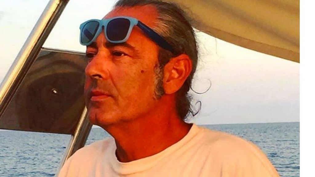 Luca Carboni in barca