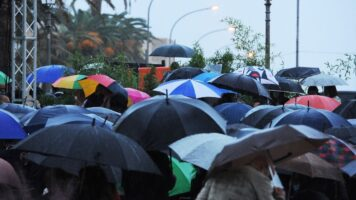 ombrelli e pioggia