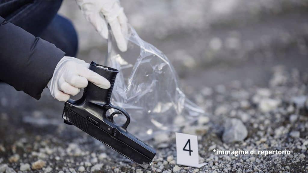 pistola sul luogo dell'omicidio