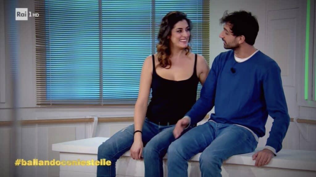 Elisa e Raimondo durante le prove di Ballando con le stelle