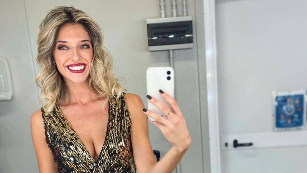 guenda goria, selfie allo specchio