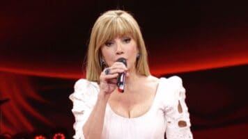 milly carlucci, mezzo busto