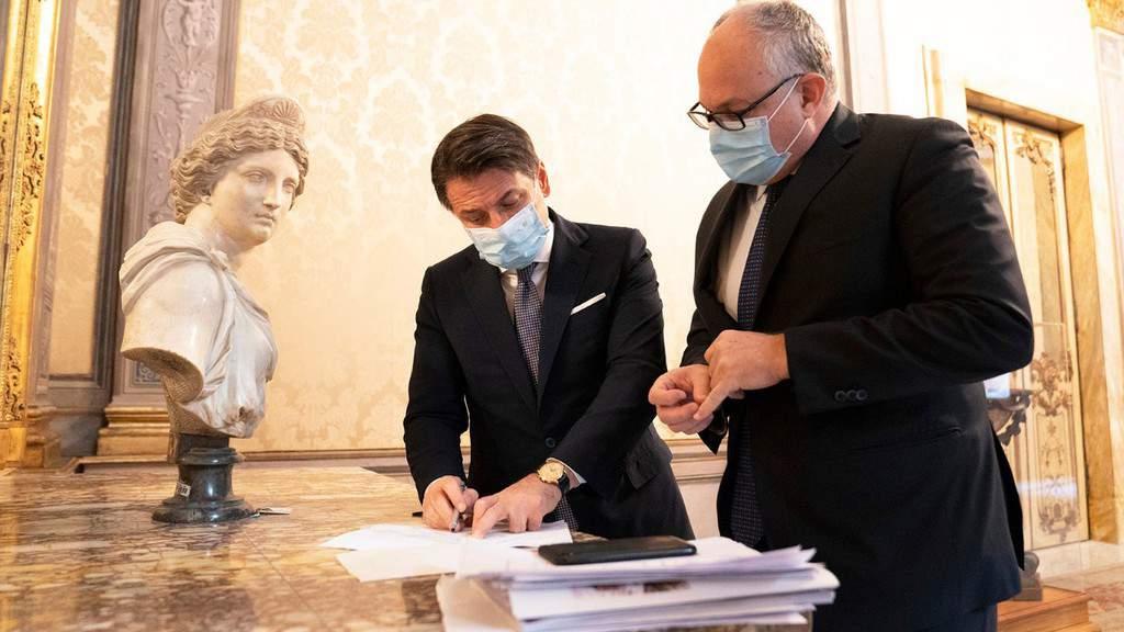 Giuseppe Conte e il Ministro Gualtieri
