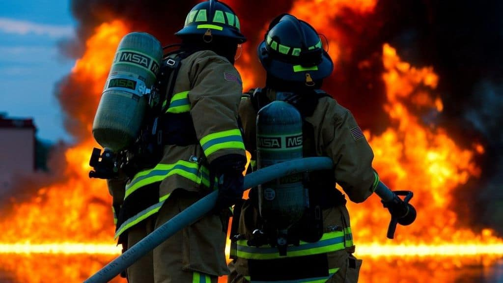 pompieri fuoco incendio fiamme