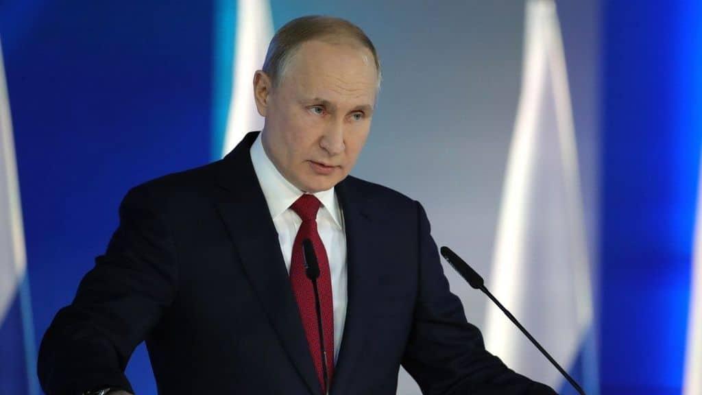 Il Presidente Russo Vladimir Putin durante una conferenza