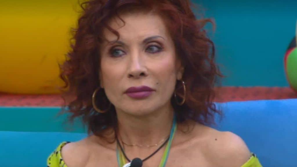 Alda D'Eusanio durante l'ultima diretta del GF VIP