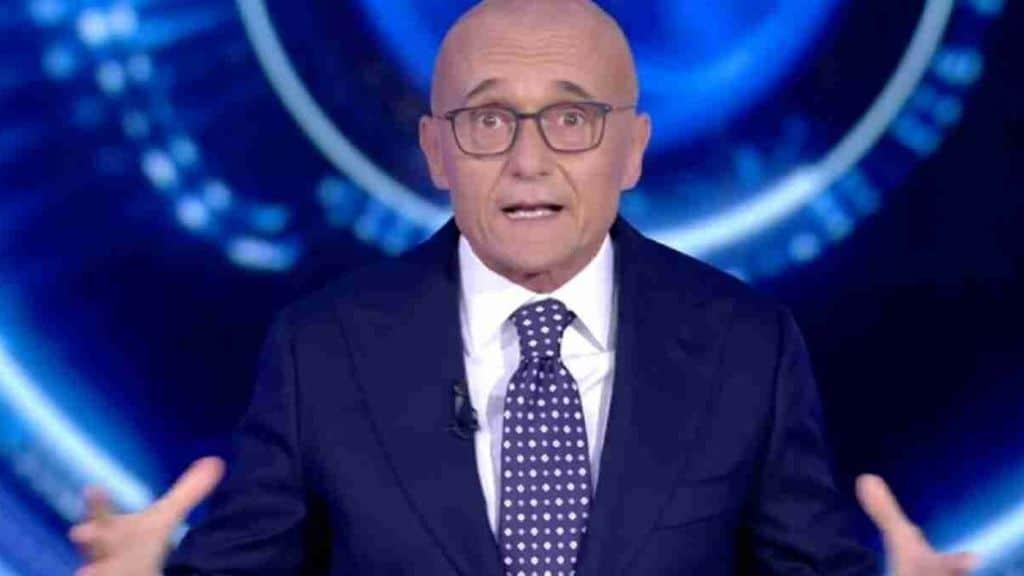 Grande Fratello Vip, Alfonso Signorini incassa un no secco. Chi non entrerà nella Casa nella prossima edizione