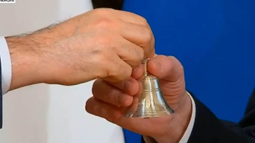 La cerimonia della campanella