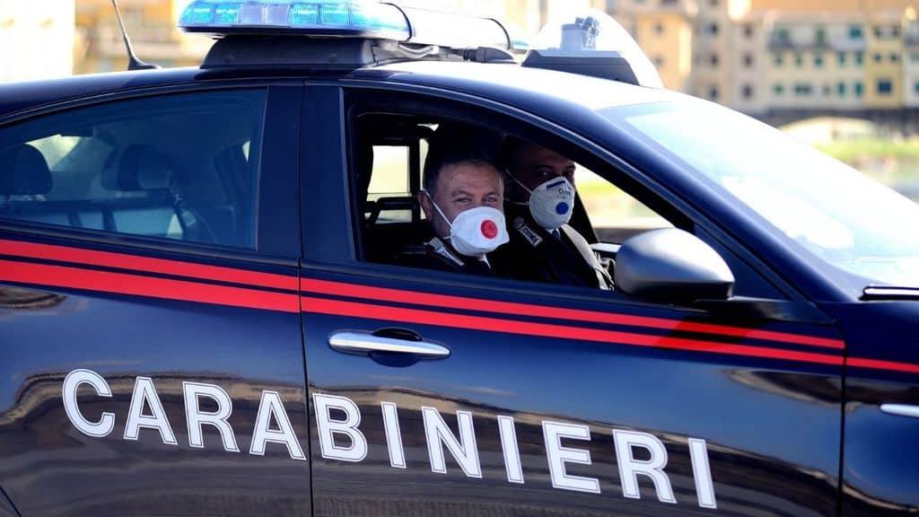 carabinieri firenze auto volante