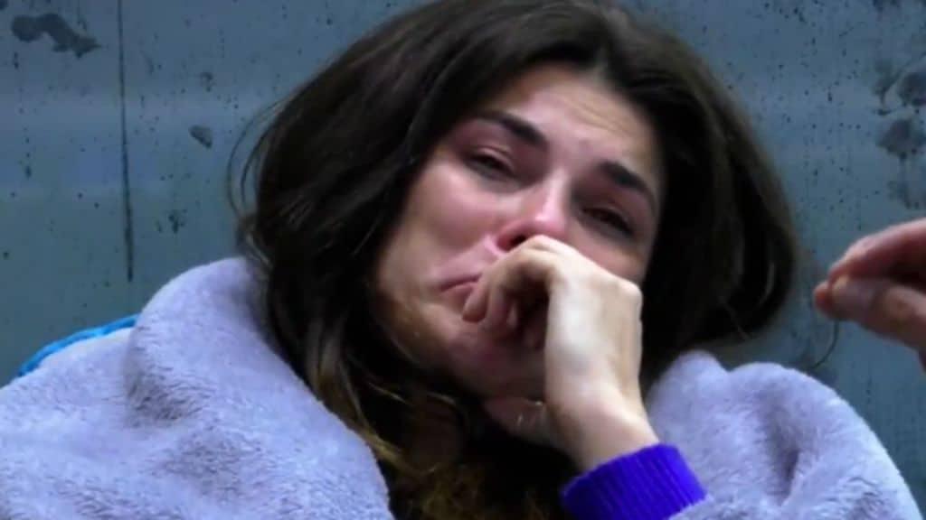 Dayane Mello in lacrime dopo una festa