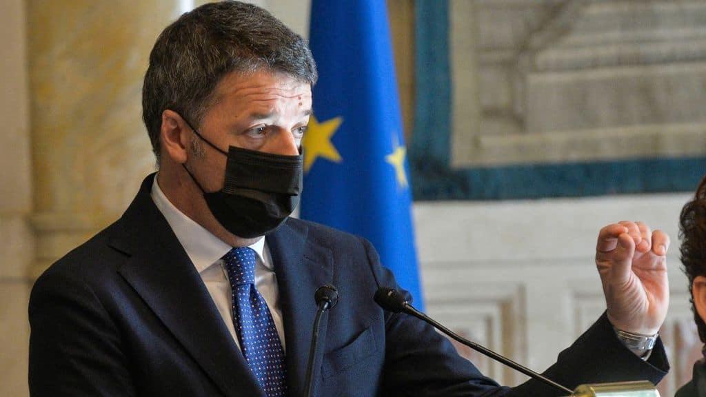 Matteo Renzi dopo le consultazioni con Mario Draghi