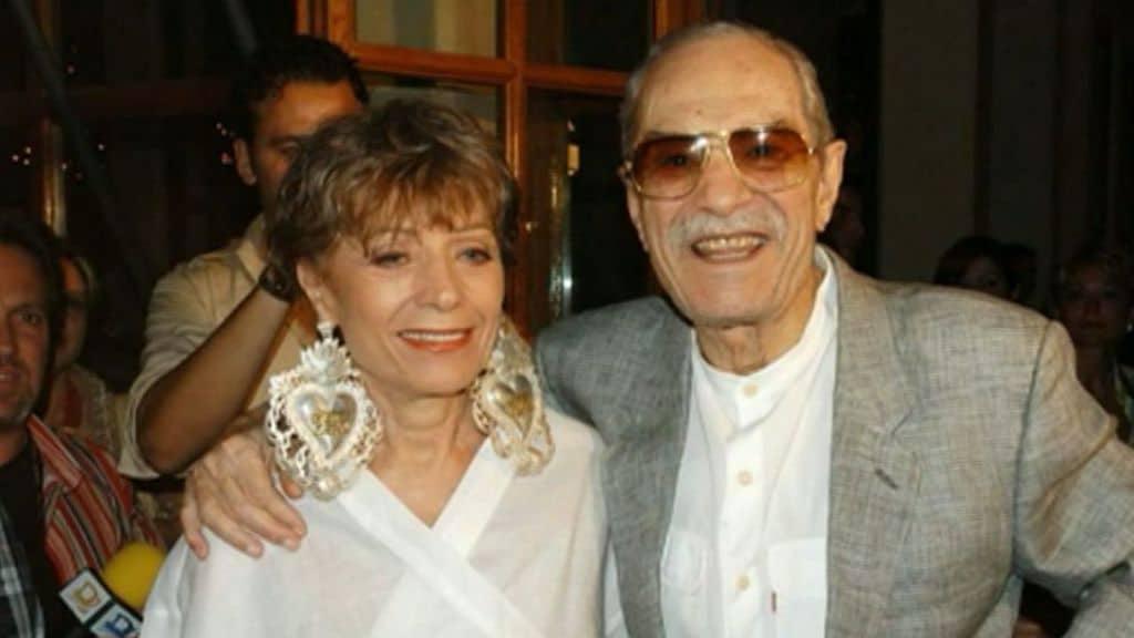 Nino Manfredi in compagnia della moglie Erminia