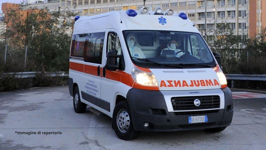Vaccino, professore di Biella morto 17 ore dopo una dose di Astrazeneca. L'autopsia, nessun legame: