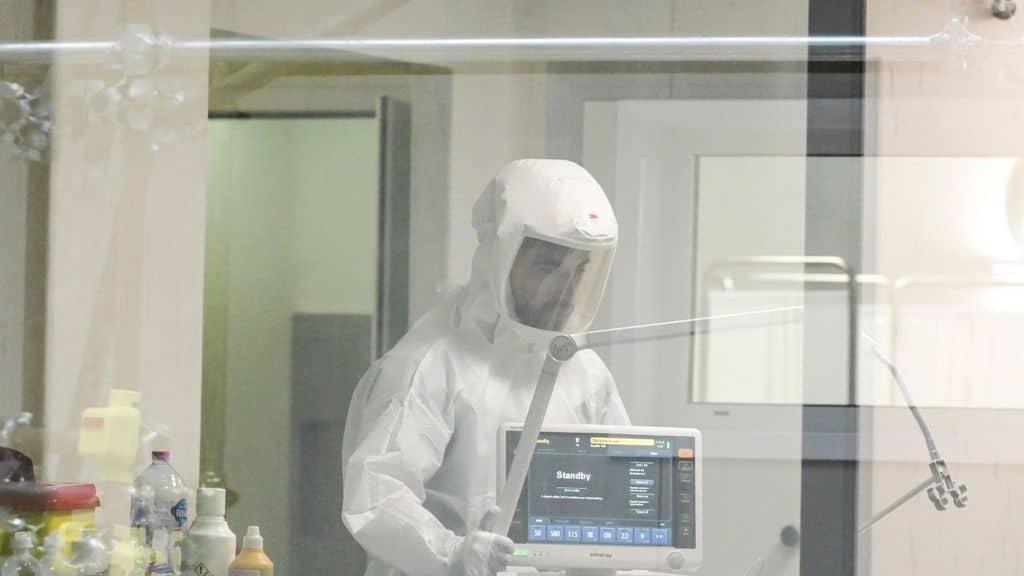 Coronavirus, lo Spallanzani pronto alla terapia con anticorpi monoclonali: la speranza di arrestare il virus riducendo i ricoveri