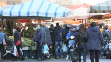 persone in strada