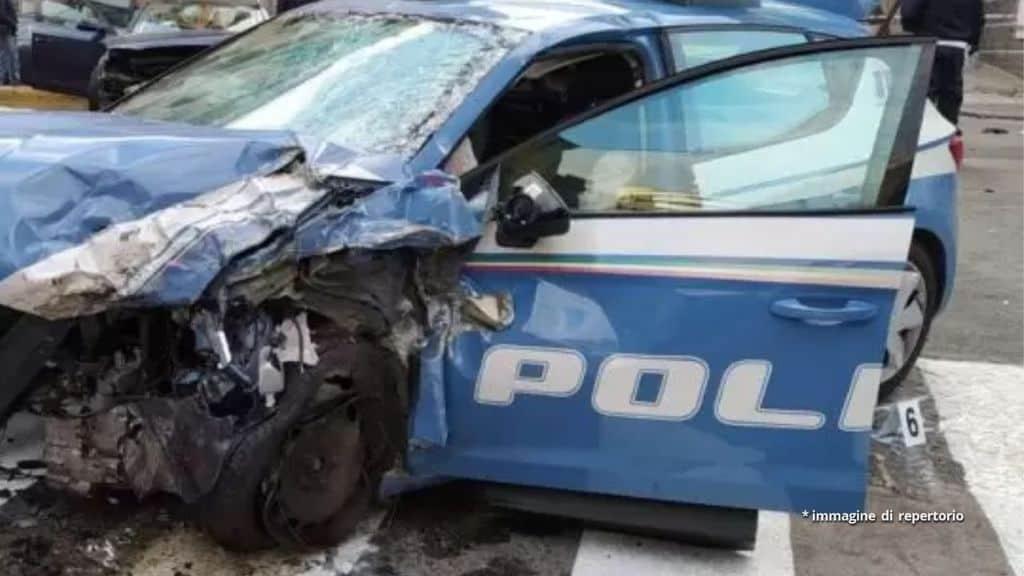 incidente tra la Polizia e un'altra auto: morta una 14enne a Roma