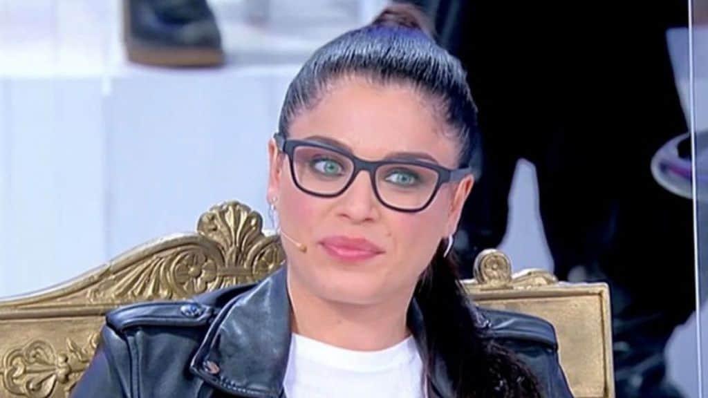 Samantha Curcio, la nuova tronista di Uomini e Donne apparsa ad Alta Infedeltà su Real Time: piogge di critiche per Samantha