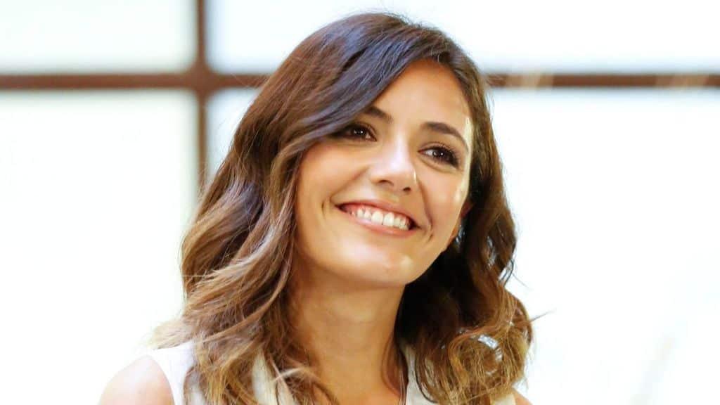 Serena Rossi chi è: età, fidanzato, figlio, film, fiction e ora la conduzione de La Canzone Segreta