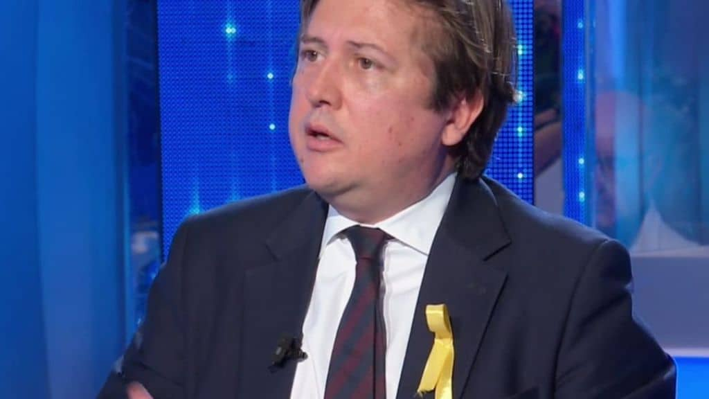 Pierpaolo Sileri indossa il fiocco giallo a Domenica In