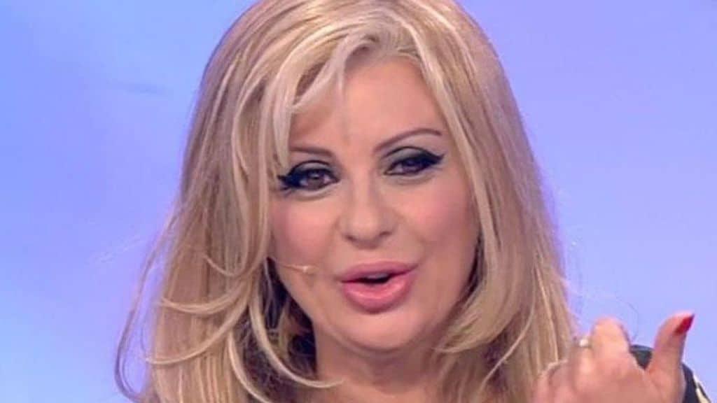 """Tina Cipollari e Vincenzo Ferrara matrimonio: dopo la crisi, Tina Cipollari a un passo dalle nozze, è pronta a dire """"sì"""""""