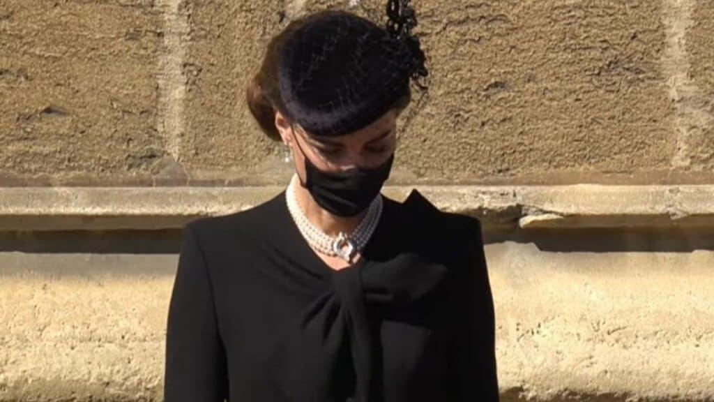 Kate Middleton al funerale del principe Filippo: prove da regina con le perle indossate da Lady Diana