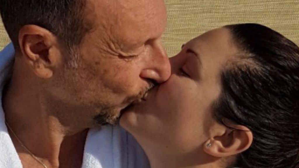 Amadeus e Giovanna Civitillo, innamorati come il primo giorno: