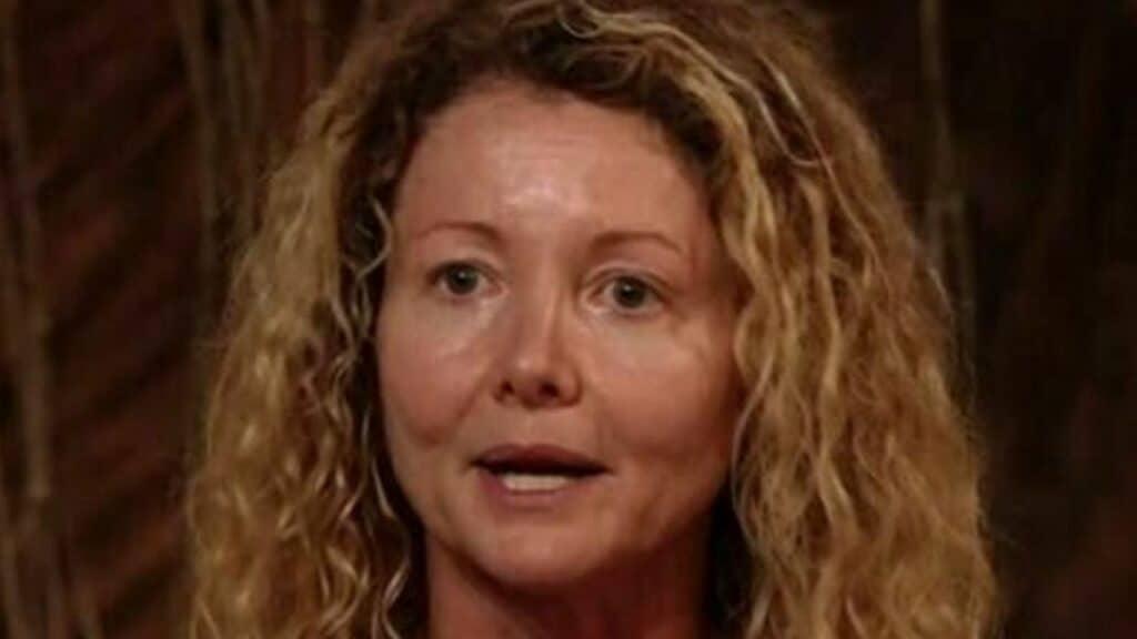 """Isola dei Famosi, crolla Angela Melillo. La naufraga in lacrime: """"Mi sento inutile"""""""