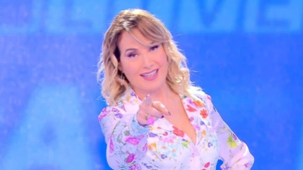 Barbara d'Urso verso l'addio a Mediaset per la Rai: dopo la chiusura di Live - Non è la d'Urso spunterebbe una trattativa