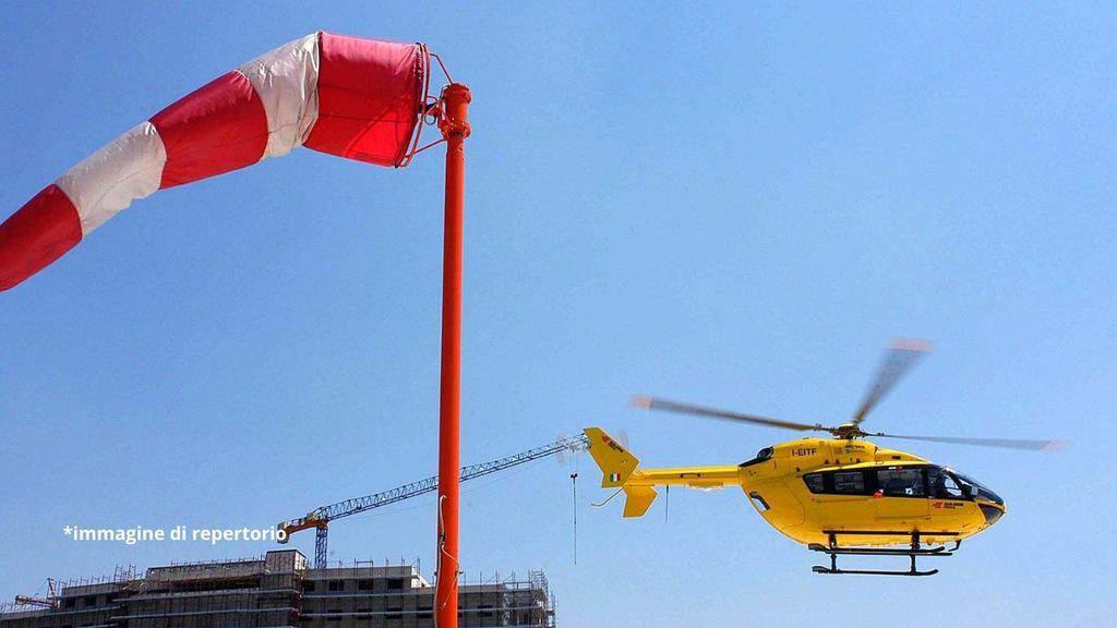 Tragedia in Alto Adige, bimbo di 14 mesi precipita dal balcone: gravissimo, è deceduto in ospedale