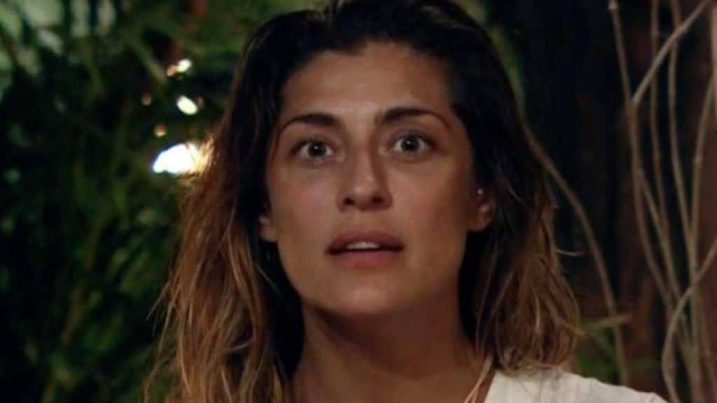 Elisa Isoardi abbandona temporaneamente l'Isola dei Famosi per accertamenti medici