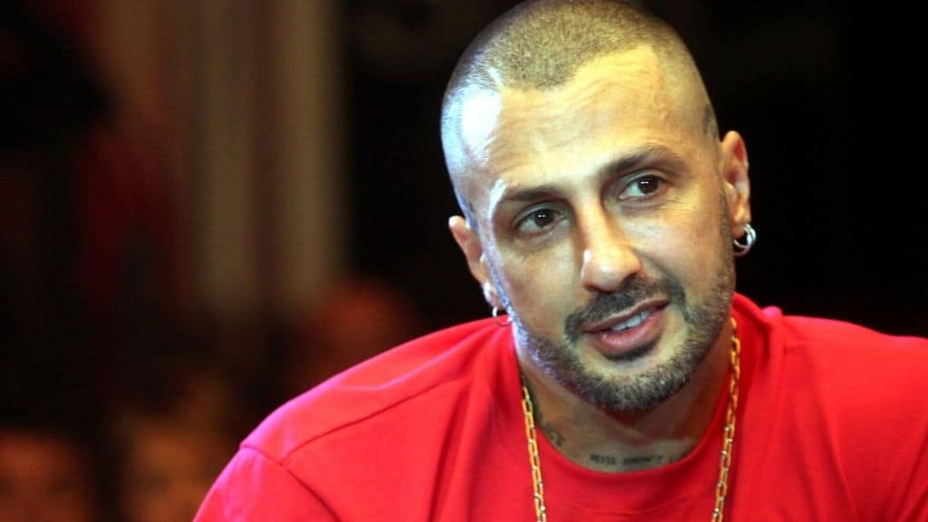 Fabrizio Corona lascia il carcere: l'ex re dei paparazzi torna ai domiciliari