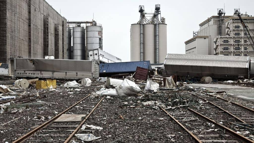 Fukushima, Tokyo approva il rilascio in mare delle acque contaminate. La reazione della Cina: