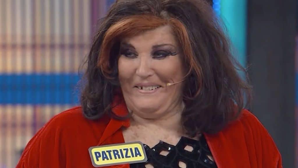 Patrizia De Blanck senza dente di fronte a Paolo Bonolis: l'incidente prima della puntata di