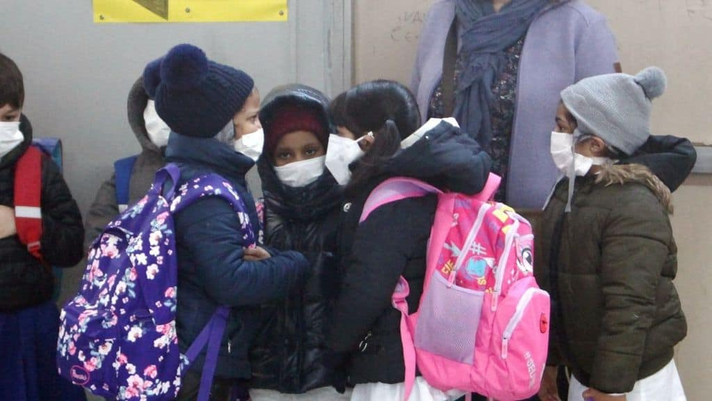 confermato l'obbligo di mascherina dai 6 ai 12 anni a scuola