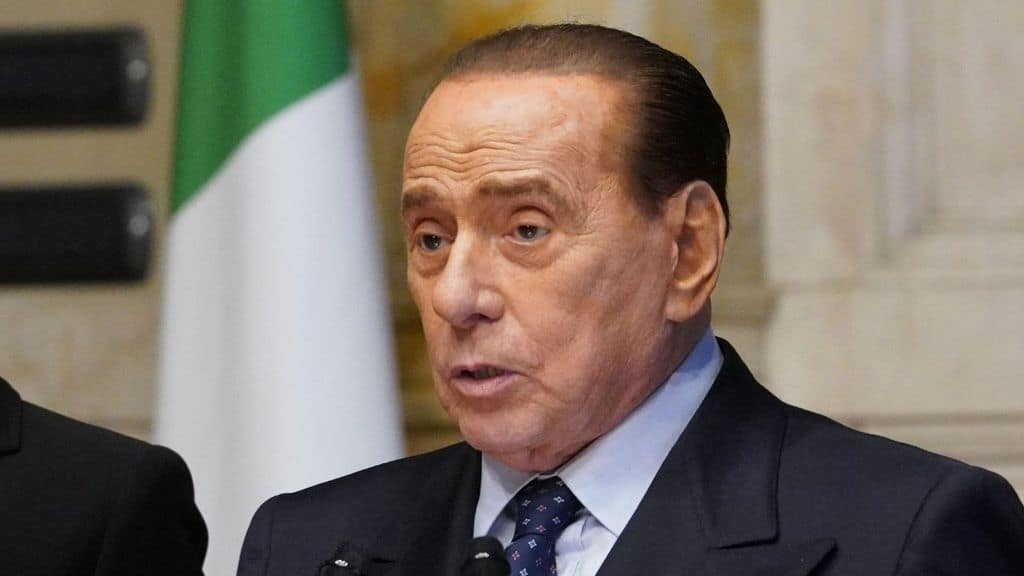 Berlusconi ricoverato all'ospedale San Raffaele