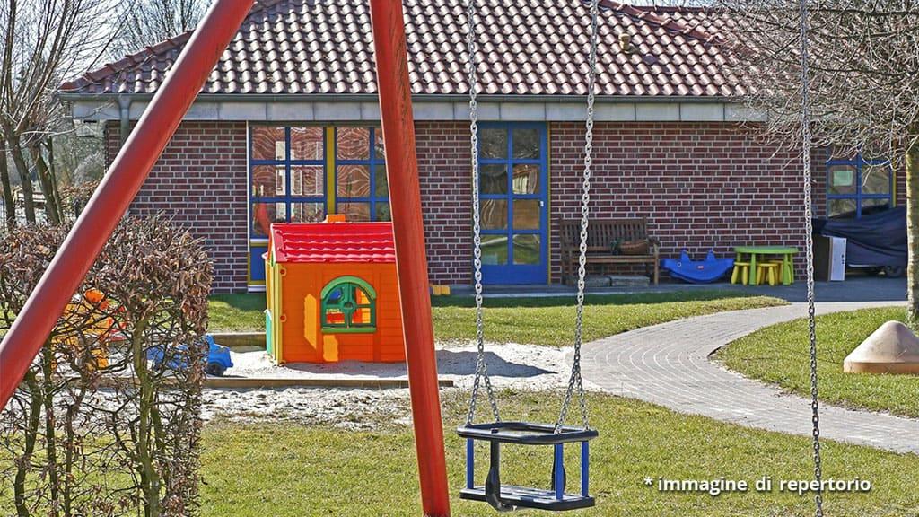 assalto in un asilo con un machete: uccisi bambini e maestre