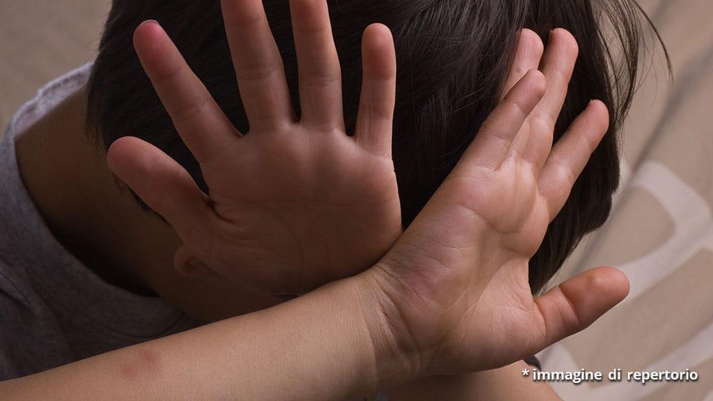 bimbo di 10 anni picchiato e filmato: bullismo a Cervinara
