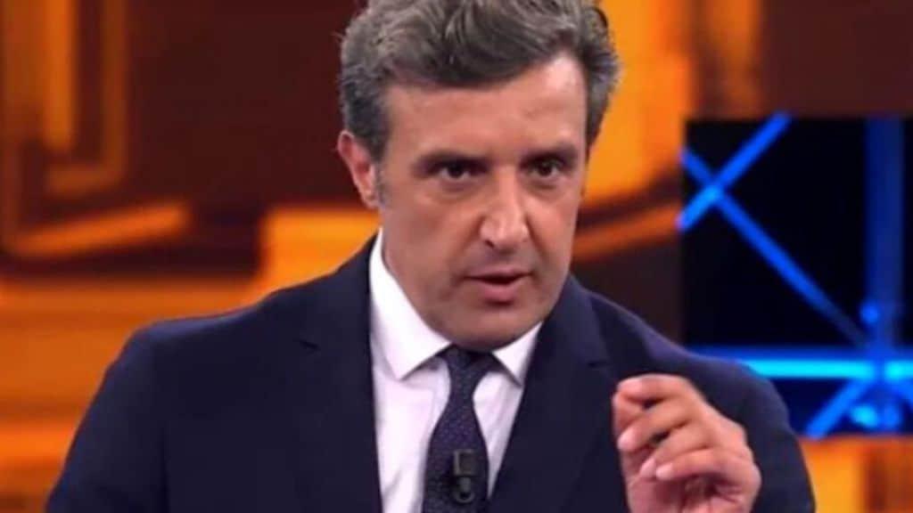 Flavio Insinna torna su Rai1 con Il Pranzo è servito: le anticipazioni sul programma in onda dal 28 giugno