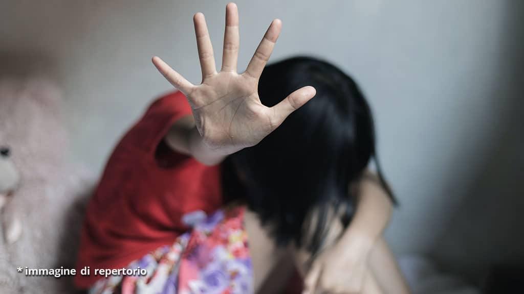 maltrattamenti sui figli ad Aosta: madre arrestata