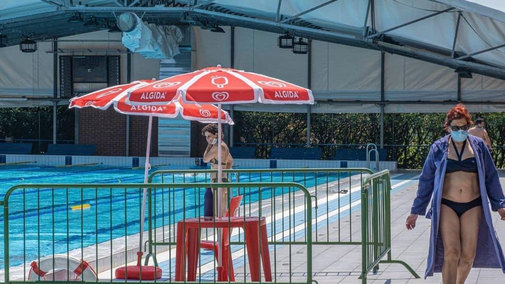 Riaperture, dalle piscine agli eventi: tutte le date della ripartenza e come cambia il coprifuoco